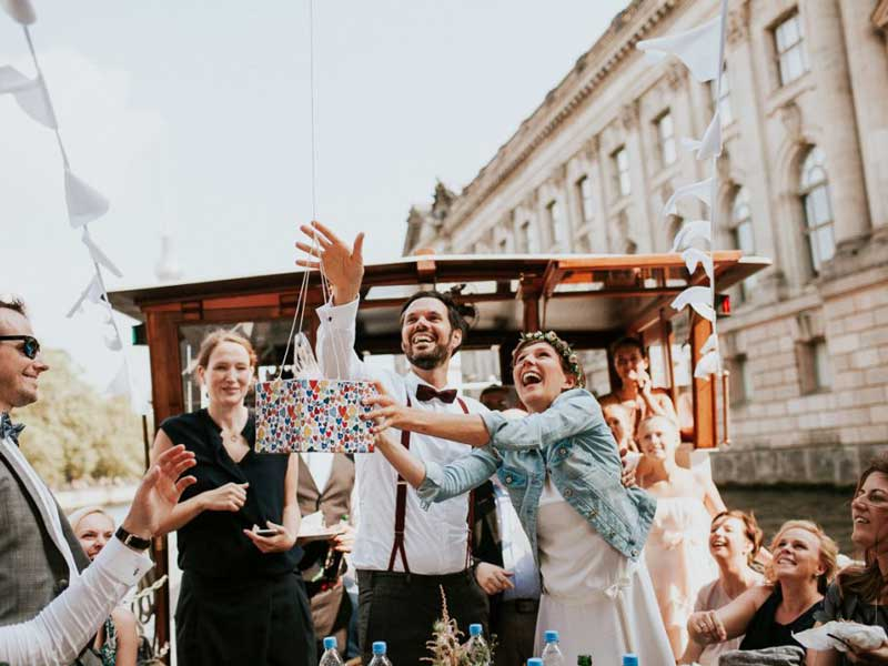 Bootsvermietung-Fangrot-Heiraten auf dem Schiff