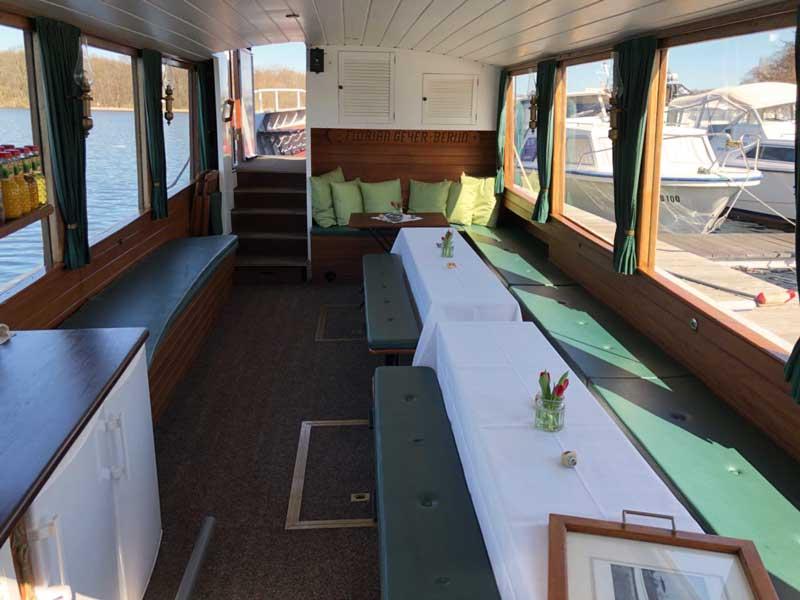 Die MS Heidelberg von innen als Partyboot Berlin