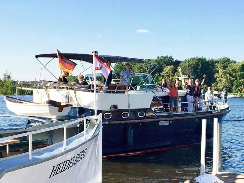 Charter-Yacht Dachs mit Feier für Boot mieten in Berlin